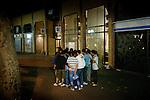 [English]  France and the City of Paris offer only 70 hotel beds as an emergency accommodation for unaccompanied minor migrants. A French association called &quot;France Terre d'Asile&quot; is responsible for this system. But this night, no room is available.<br /> <br /> [Francais]  Place Colonel Fabien, 21h30, de jeunes afghans se sont vus refuser l'acc&egrave;s au bus Atlas &agrave; cause de leur &acirc;ge. Le dernier bus est parti, ils se                regroupent autour des animateurs sociaux de France Terre d'Asile pour tenter d'obtenir un lit dans le dispositif d'&eacute;tat qui leur est r&eacute;serv&eacute;. Ce soir l&agrave;, aucune place n'est disponible.