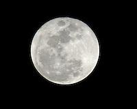 JAN 12 The Wolf Full Moon Rises Over Delray Beach