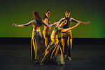 2008 Smith College Spring Dance..© 2008 JON CRISPIN .Please Credit   Jon Crispin.Jon Crispin   PO Box 958   Amherst, MA 01004.413 256 6453.ALL RIGHTS RESERVED.