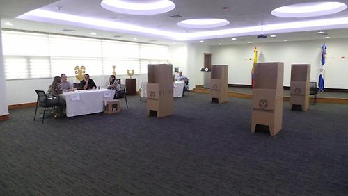 Centro de Votación instalado en la República Dominicana.