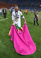FUSSBALL  CHAMPIONS LEAGUE  FINALE  SAISON 2015/2016   Real Madrid - Atletico Madrid                   28.05.2016 Sergio Ramos (Real Madrid)  gibt den Torero