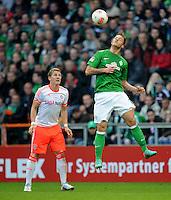 FUSSBALL   1. BUNDESLIGA  SAISON 2012/2013   6. Spieltag   SV Werder Bremen - FC Bayern Muenchen          29.09.2012 Bastian Schweinsteiger (li, FC Bayern Muenchen) gegen Marko Arnautovic (re, SV Werder Bremen)