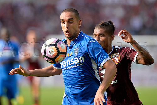 19.09.2016. Stadio Olimpico, Torino, Italy. Serie A Football. Torino versus Empoli. Giuseppe Bellusci shields the ball from Josef Alexander Martinez  . The game ended in a 0-0 draw.