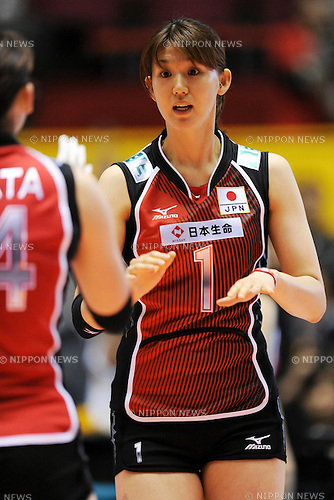 Megumi Kurihara (JPN), NOVEMBER 3rd, 2010 - Volleyball : 2010 FIVB Women's Volleyball World Championship First Round Pool A match between Japan 3-1 Serbia at Yoyogi 1st Gymnasium in Tokyo, Japan. (Photo by AZUL/AFLO)
