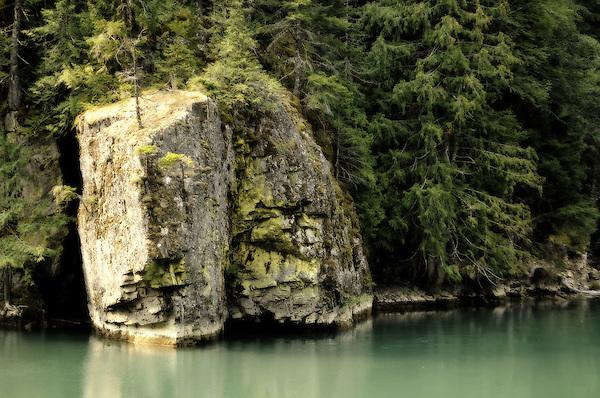 Partner Rock along the Skagit River