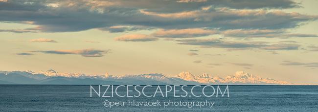 Southern Alps at sunrise, seen from Punakaiki, Paparoa National Park, Buller Region, West Coast, New Zealand, NZ
