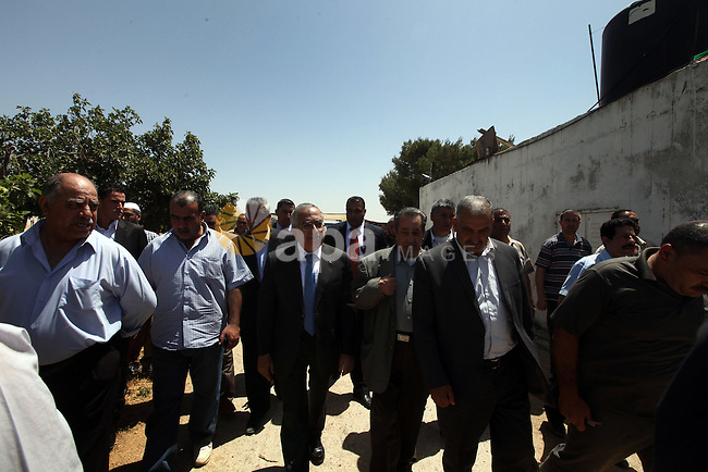 Palestinian Prime Minister, Salam Fayyad, visits the village of Nabi Samuel in the  west of Jerusalem, on June 04, 2012. Photo by Mustafa Abu Dayeh