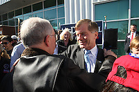 Last minute stop for Republican governor candidate Bob McDonnell at the airport in Charlottesville, Va.  (Photo/Andrew Shurtleff)