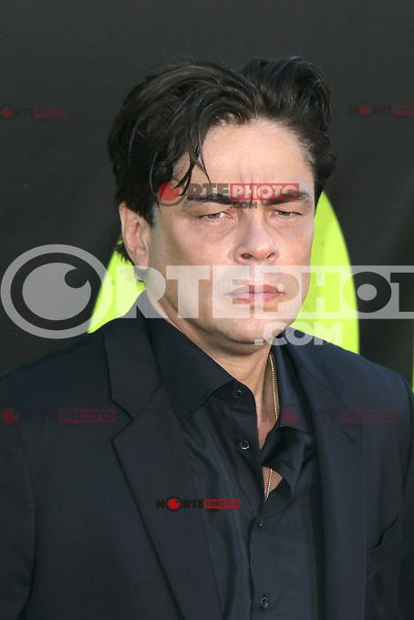 Benicio Del Toro at the Premiere of Universal Pictures' 'Savages' at Westwood Village on June 25, 2012 in Los Angeles, California. &copy;&nbsp;mpi21/MediaPunch Inc. /*NORTEPHOTO.COM*<br /> **SOLO*VENTA*EN*MEXICO** **CREDITO*OBLIGATORIO** *No*Venta*A*Terceros* *No*Sale*So*third* *** No Se Permite Hacer Archivo** *No*Sale*So*third*&Acirc;&copy;Imagenes con derechos de autor,&Acirc;&copy;todos reservados. El uso de las imagenes est&Atilde;&iexcl; sujeta de pago a nortephoto.com El uso no autorizado de esta imagen en cualquier materia est&Atilde;&iexcl; sujeta a una pena de tasa de 2 veces a la normal. Para m&Atilde;&iexcl;s informaci&Atilde;&sup3;n: nortephoto@gmail.com* nortephoto.com.