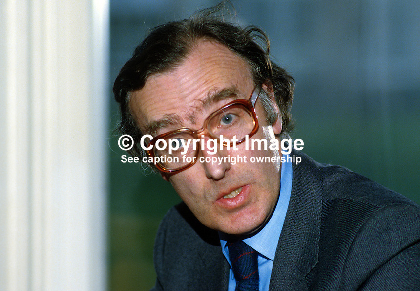 Paul Buxton, civil servant, N Ireland Office, Stormont Castle, N Ireland, 19850401PB1..Copyright Image from Victor Patterson, 54 Dorchester Park, Belfast, UK, BT9 6RJ..Tel: +44 28 9066 1296.Mob: +44 7802 353836.Voicemail +44 20 8816 7153.Skype: victorpattersonbelfast.Email: victorpatterson@mac.com.Email: victorpatterson@ireland.com (back-up)..IMPORTANT: If you wish to use this image or any other of my images please go to www.victorpatterson.com and click on the Terms & Conditions. Then contact me by email or phone with the reference number(s) of the image(s) concerned.