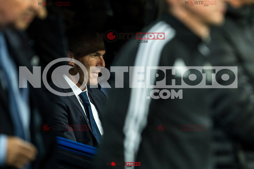 Real Madrid's coach Zinedine Zidane during the match of UEFA Champions League group stage between Real Madrid and Legia de Varsovia at Santiago Bernabeu Stadium in Madrid, Spain. October 18, 2016. (ALTERPHOTOS/Rodrigo Jimenez) /NORTEPHOTO.COM