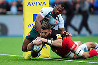 Will Fraser of Saracens dives for the try-line. Aviva Premiership semi final, between Saracens and Leicester Tigers on May 21, 2016 at Allianz Park in London, England. Photo by: Patrick Khachfe / JMP