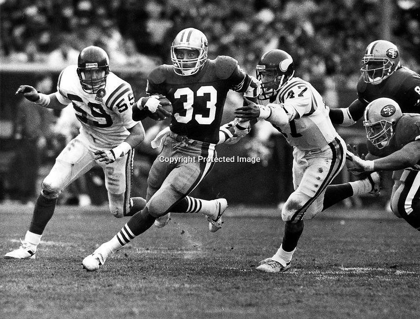 San Francisco 49er running back Roger Craig buns against the Vikings. (photo Ron Riesterer)