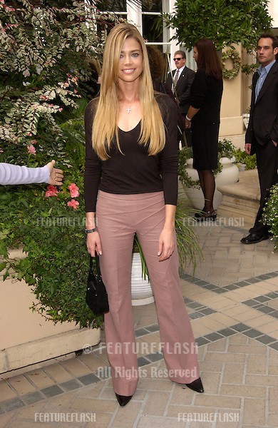 Actress DENISE RICHARDS at Premiere Magazine's Women in Hollywood luncheon at the Four Seasons Hotel, Beverly Hills..22OCT2001.  © Paul Smith/Featureflash