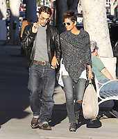 Halle Berry and Olivier Martinez take hit the shops in Venice Beach - Los Angeles