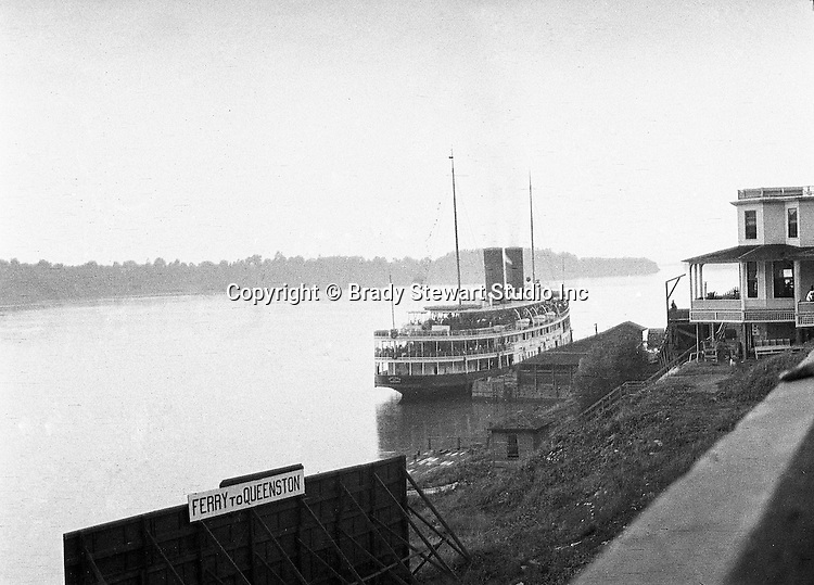 Ontario Canada:  Ferry to Queenston Ontario from Lewiston New York  - 1914
