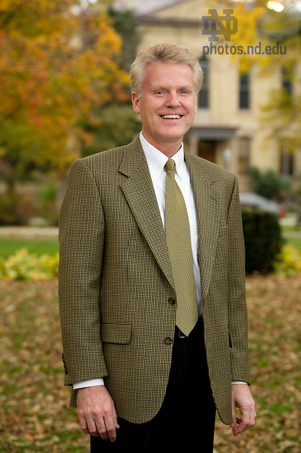 Michael Riemke, Student Financial Aid, Photo by Barbara Johnston/University of Notre Dame
