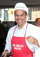 Los Angeles, CA - NOVEMBER 23: Antonio Villaraigosa, At Los Angeles Mission Thanksgiving Meal For The Homeless At Los Angeles Mission, California on November 23, 2016. Credit: Faye Sadou/MediaPunch