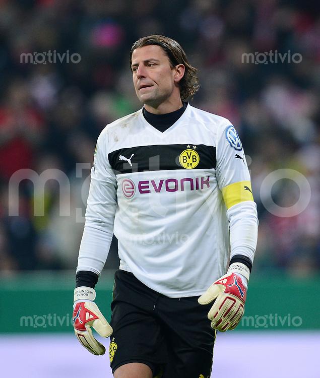FUSSBALL  DFB-POKAL  VIERTELFINALE  SAISON 2012/2013    FC Bayern Muenchen - Borussia Dortmund       27.02.2013 Torwart Roman Weidenfeller (Borussia Dortmund)