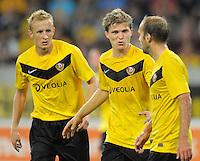 Fussball, 2. Bundesliga, Saison 2011/12, SG Dynamo Dresden - Vfl Bochum, Montag (12.09.11), gluecksgas Stadion, Dresden. Dresdens v.l. Muhamed Subasic, Florian Jungwirth, Filip Trojan.