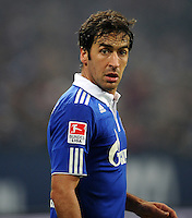 FUSSBALL   1. BUNDESLIGA   SAISON 2011/2012   20. SPIELTAG FC Schalke 04 - FSV Mainz 05                                  04.02.2012 Raul (FC Schalke 04)