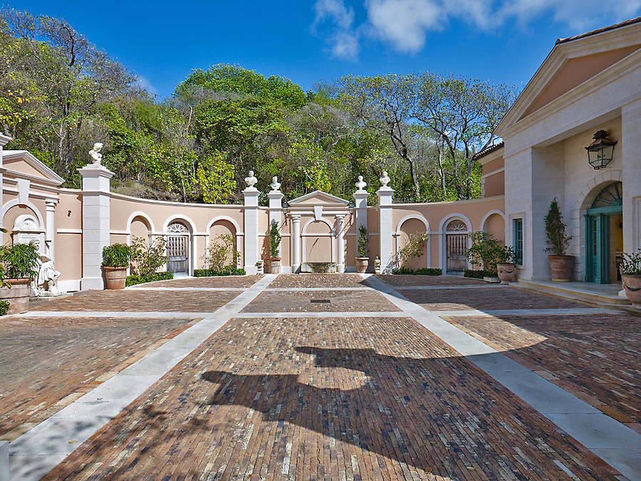 Sienna, Mustique, St. Vincent & The Grenadines