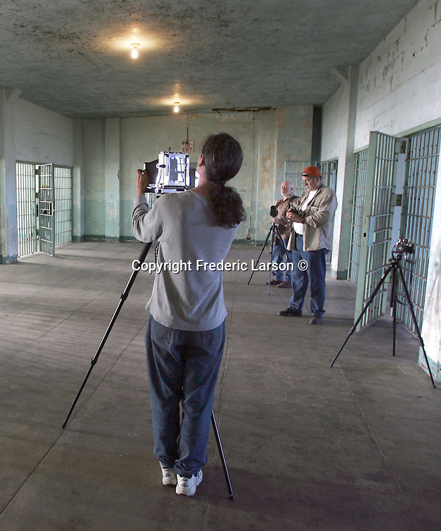 ALCATRAZ_0075a_fl.jpg  Photographers of the Bay Area Media Alliance group shoot with all kinds of different format cameras..10/16/05 San Francisco CA .Frederic Larson .The San Francisco Chronicle
