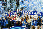 Barry Ferguson lifts the SPL trophy