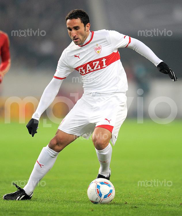 Fussball 1. Bundesliga:  Saison   2011/2012    16. Spieltag VfB Stuttgart - FC Bayern Muenchen  11.12.2011 Cristian Molinaro (VfB Stuttgart)