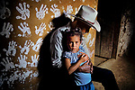 HONDURAS-10001, Hands, La Fortuna, Honduras, 2004<br />