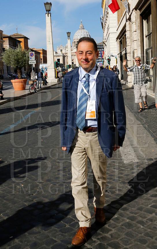 L'europarlamentare Gianni Pittella interviene durante la seconda giornata dell'Assemblea Nazionale del Partito Democratico a Roma, 21 settembre 2013.<br /> European parliamentary Giuseppe Civati speaks during the second day of the Italian Democratic Party's National Assembly in Rome, 21 September 2013.<br /> UPDATE IMAGES PRESS/Riccardo De Luca