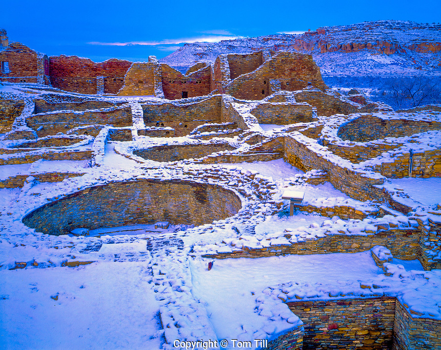 Pueblo Del Arroyo in snow, Chaco Culture Historical Park, New Mexico Large ruin in Chaco Canyon