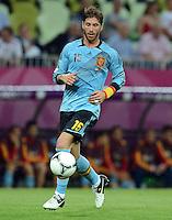 FUSSBALL  EUROPAMEISTERSCHAFT 2012   VORRUNDE Kroatien - Spanien                 18.06.2012 Sergio Ramos (Spanien) Einzelaktion am Ball