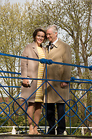 Le Roi Philippe de Belgique et la Reine Mathilde de Belgique visitent le ch&acirc;teau de Wissekerke lors d'une visite de la Province de Flandre- Occidentale.<br /> Belgique, Kruibeke. 25 avril 2017.<br /> Queen Mathilde of Belgium and King Philippe of Belgium pictured during a visit to ' Castel Wissekerke' in Kruibeke, part of a visit of Belgian Royal couple in East-Flanders.<br /> Belgium, Kruibeke, 25 April 2017.