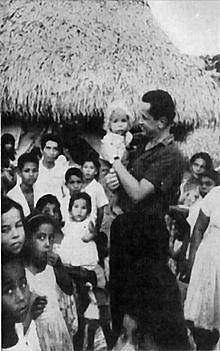 Camilo Torres Restrepo se entregó a los más pobres como sacerdote y como guerrillero.