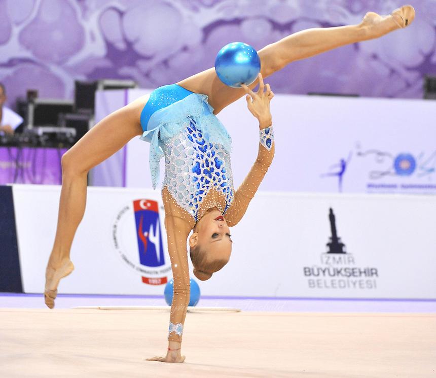 September 22, 2014 - Izmir, Turkey -  YANA KUDRYAVTSEVA of Russia performs at 2014 World Championships.