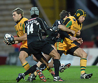 2005/06 Guinness Premiership Rugby, Saracens vs Northampton Saints, Vicarage Road, Watford, ENGLAND:     05.11.2005   © Peter Spurrier/Intersport Images - email images@intersport-images..