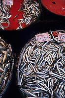 """Europe/Turquie/Istanbul : Marché autour du bazar aux épices """"Misir Carsisi"""" - Etal poissons"""