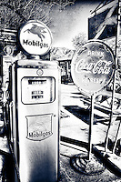 Mobilgas pump - Route 66 - Arizona
