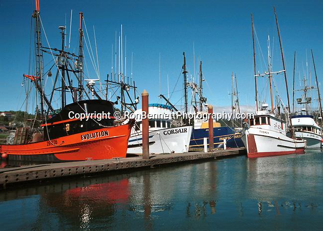 Fishing boats oregon pacific northwest for Fishing in portland oregon