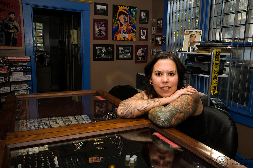 Angela russell underground art tattoo body piercing for Memphis tattoo shops