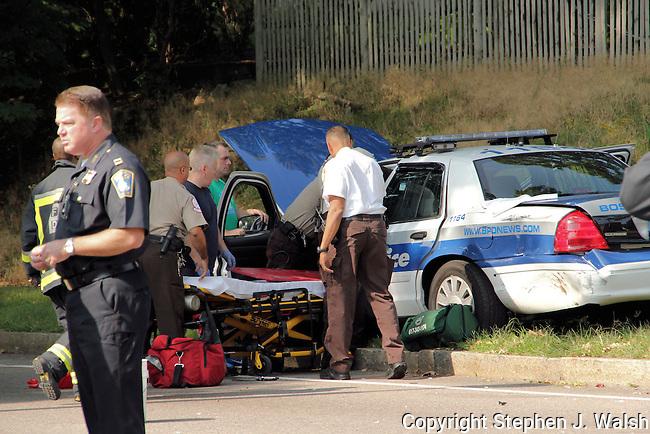 Boston Police Cruiser crash VFW Parkway at LaGrange Street in the West Roxbury neighborhood. Officer sustained minor injuries.