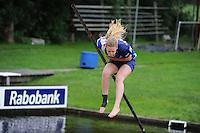 FIERLJEPPEN: IT HEIDENSKIP: 29-06-2016, 1e klasse wedstrijd fierleppen, afgelast wegens regen, Marrit van der Wal, ©foto Martin de Jong