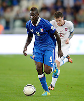 Fussball International  WM Qualifikation 2014   10.09.2013 Italien - Tschechien Mario Balotelli (Italien) am Ball