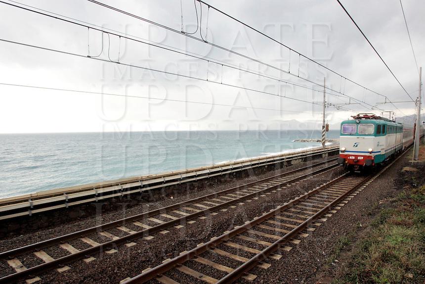 A train passes through the station of Lavagna, on the Ligurian Riviera.<br /> Un treno in transito alla stazione di Lavagna, lungo la Riviera Ligure<br /> UPDATE IMAGES PRESS/Riccardo De Luca