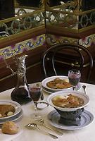 Europe/France/Ile-de-France/75/Paris&nbsp;: les Tripes &agrave; la Mode de Caen ,un des plats embl&eacute;matiques du restaurant &quot;Pharamond&quot;<br /> PHOTO D'ARCHIVES // ARCHIVAL IMAGES<br /> FRANCE 1990