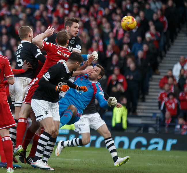 Callum Morris heads in to equalise for Dundee Utd