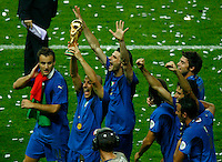Jul 9, 2006; Berlin, GERMANY; Italy forward (7) Alessandro Del Piero hoists the World Cup trophy with teammates including forward (11) Alberto Gilardino, left, and forward (15) Vincenzo Iaquinta in the final of the 2006 FIFA World Cup at the Olympiastadion, Berlin. Italy defeated France 5-3 on penalty kicks following a 1-1 draw after extra time. Mandatory Credit: Ron Scheffler-US PRESSWIRE Copyright © Ron Scheffler
