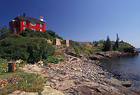 AJ2834, lighthouse, Lake Superior, Upper Peninsula, U.P., US Coast Guard, Lake Superior, Michigan, Red lighthouse and U.S. Coast Guard Station along the coast of Lake Superior in Marquette in the state of Michigan.