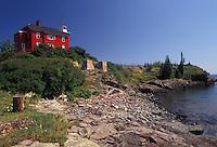 AJ2834, lighthouse, Lake Superior, Upper Peninsula, U.P., US Coast Guard, Lake Superior, Michigan, Red lighthouse and U.S. Coast Guard Station along the coast of Lake Superior in Marquette in the state of Michigan.